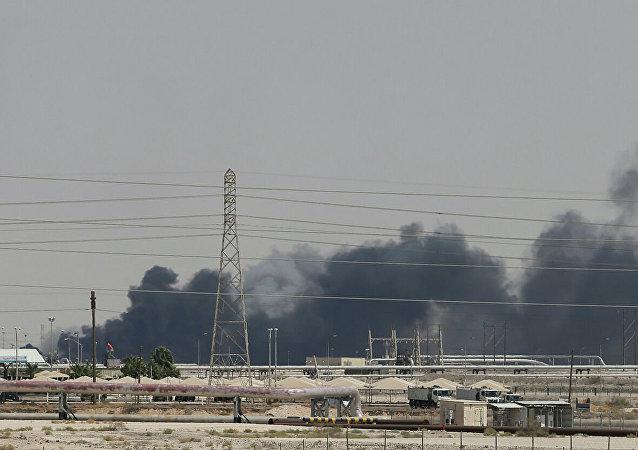 襲擊沙特煉油廠