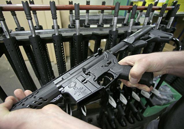 美國槍支銷售量因新冠病毒疫情猛增
