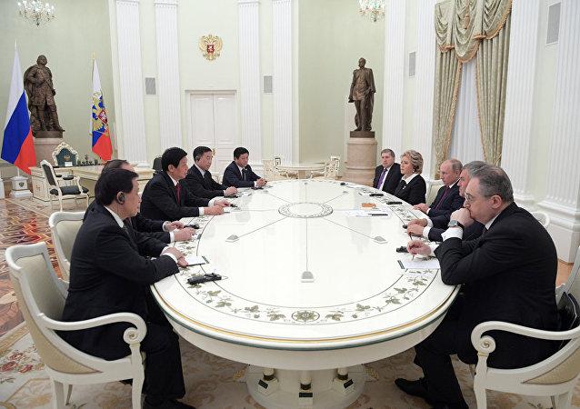 普京:俄中正在落實各合作領域的所有既定任務