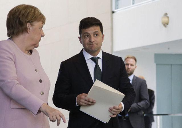 Владимир Зеленский с Ангелой Меркель