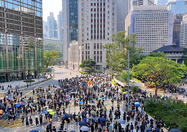 香港政府:譴責襲擊立法會議員行為 將深入調查