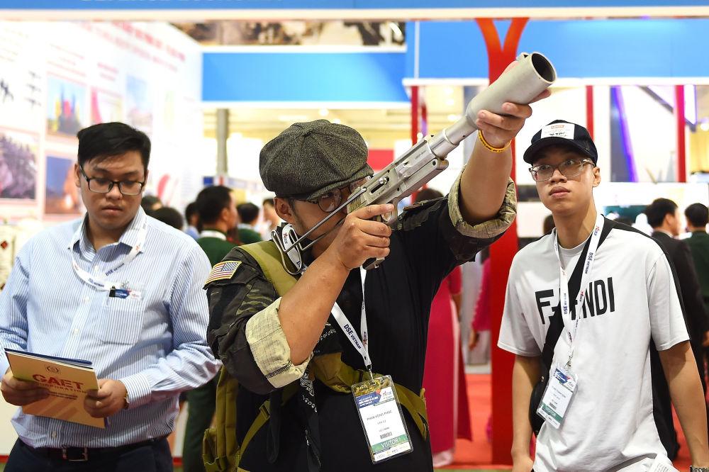 河內首屆國際防務安全展