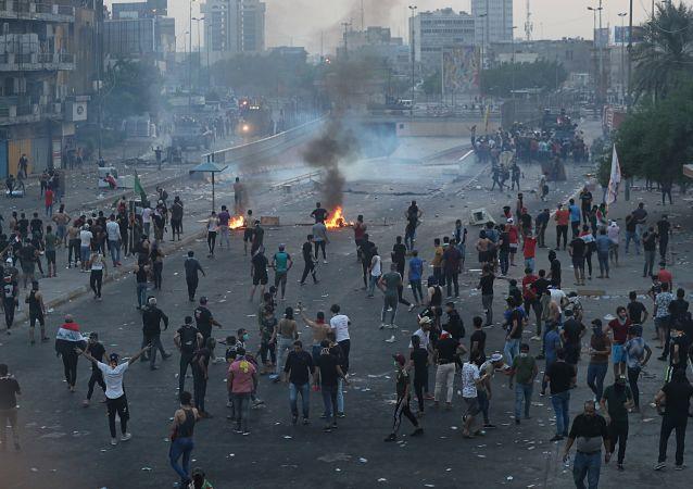 身份不明人員對巴格達示威者開火致四人死亡