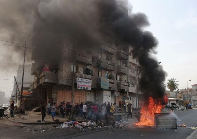媒體:伊拉克抗議活動已造成70多人死亡3000多人受傷