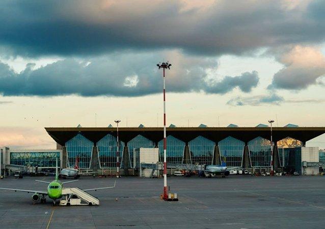普爾科沃國際機場