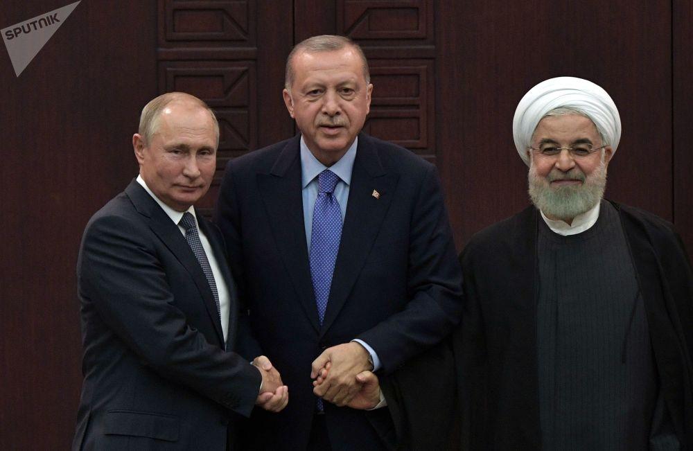 2019年9月16日,俄羅斯總統普京、土耳其總統埃爾多安和伊朗總統魯哈尼在敘利亞問題阿斯塔納進程擔保國元首第五次會晤後舉行的聯合記者招待會。