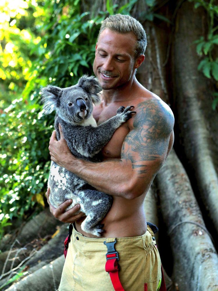 澳大利亞消防員拍攝2020慈善年歷