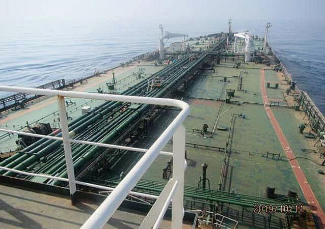 5艘伊朗油輪中的第一艘抵達委內瑞拉