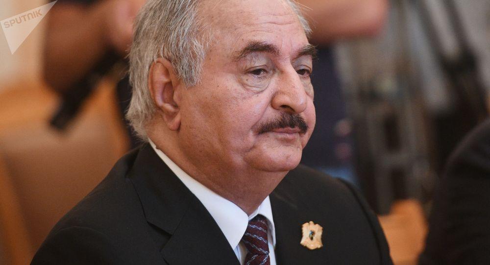 哈夫塔爾:清除恐怖分子後利比亞才可能啓動政治進程