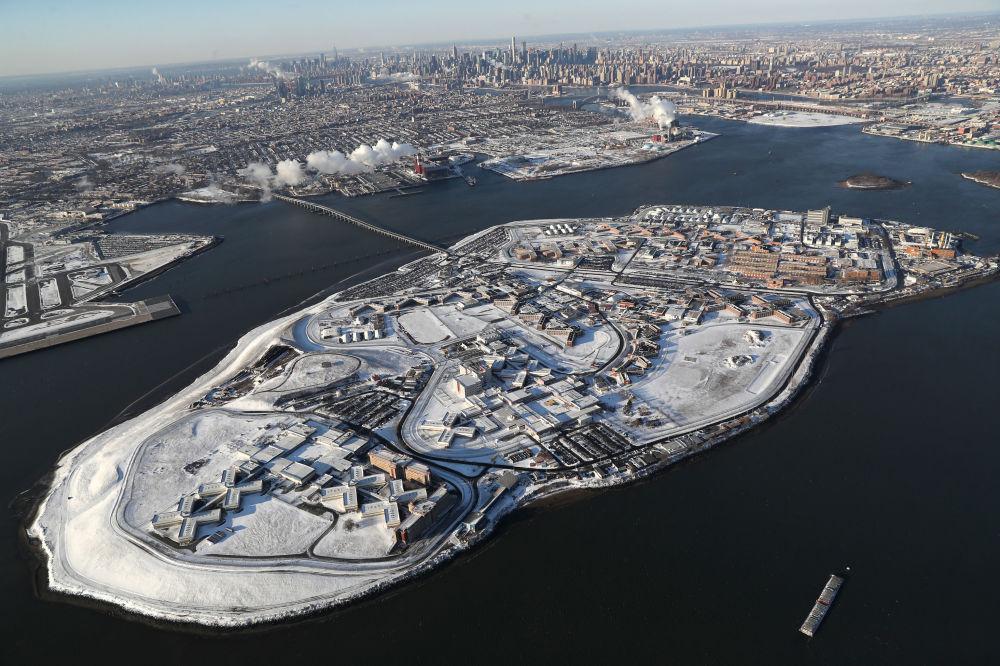 紐約布朗克斯區白雪覆蓋的賴克斯島監獄