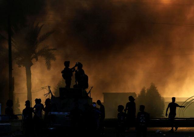 報告:伊拉克抗議活動中至少149名平民死亡