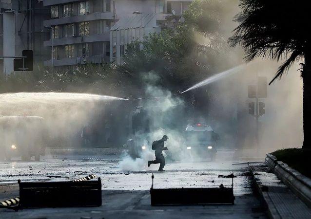 智利抗議者