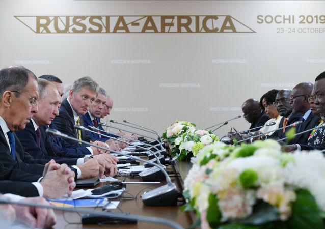普京表示鈾資源開發是與納米比亞合作的重要板塊