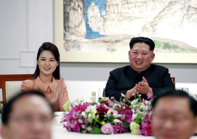 媒體:金正恩夫人時隔四月首次公開露面