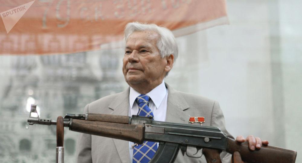 著名槍械師米哈伊爾·卡拉什尼科夫