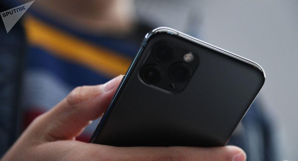 一台iPhone 11手機