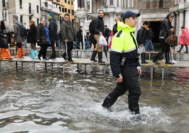威尼斯遭遇惡劣天氣 2人死亡