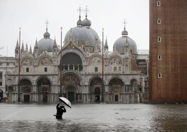 科學家建議不要阻止威尼斯沈沒