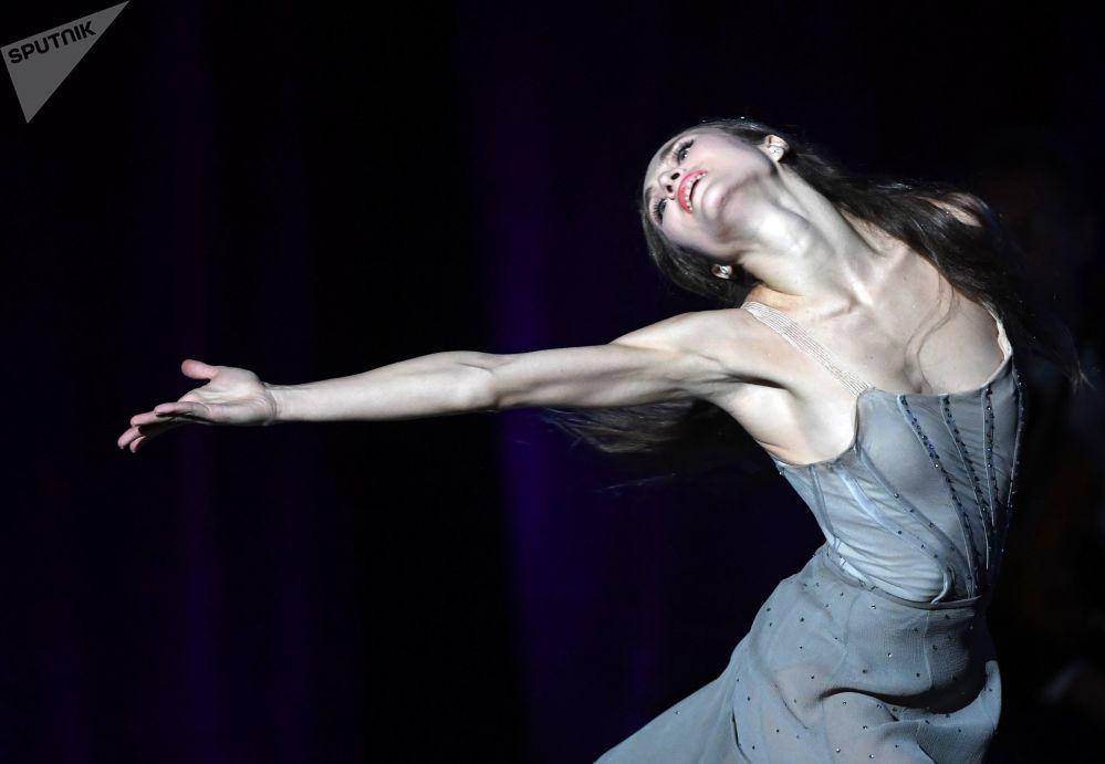 在俄羅斯大劇院演出期間的芭蕾舞演員葉卡捷里娜·瓦連季諾夫娜·希普利娜。
