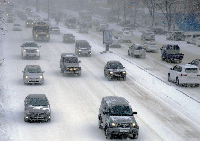 暴風雪(符拉迪沃斯托克)