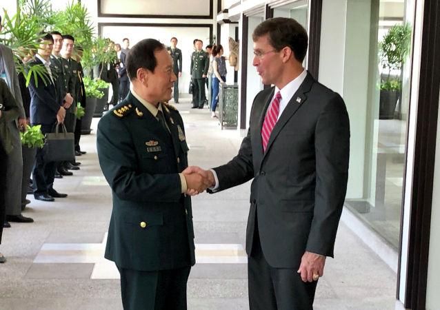 中國防長呼籲美國停止在南海炫耀武力