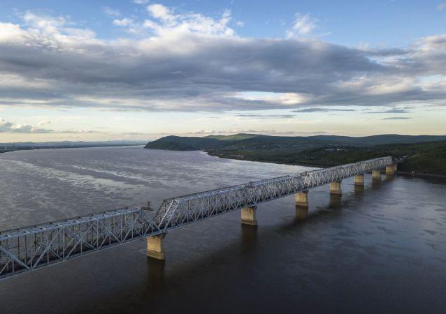 阿穆爾州連接俄中界河大橋