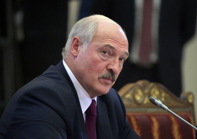 盧卡申科:冠狀病毒使白俄羅斯的生存處於威脅中