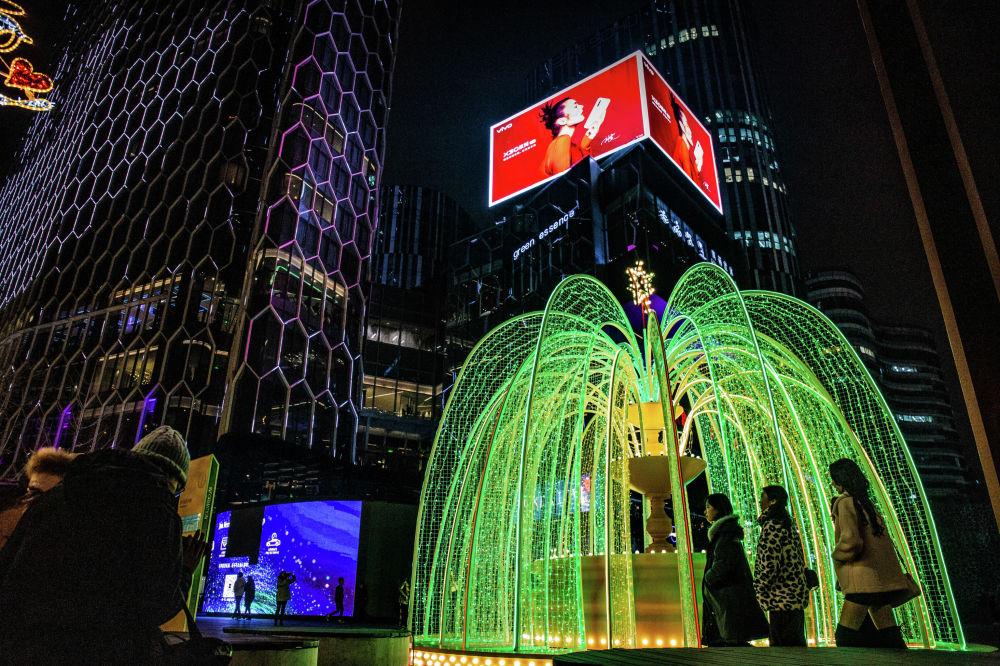 北京三里屯SOHO的節日彩燈