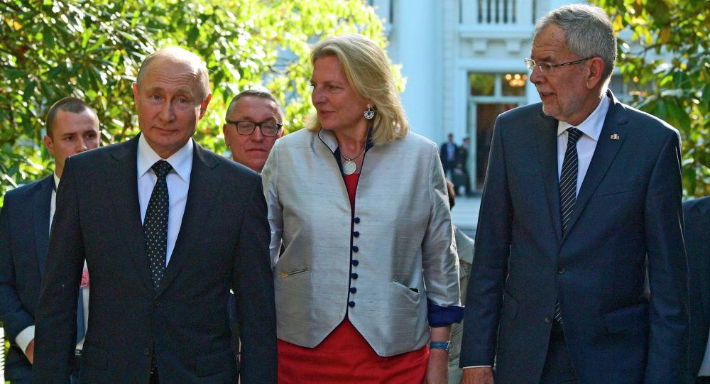 奧地利前外交部長指責歐盟不支持普京的提議