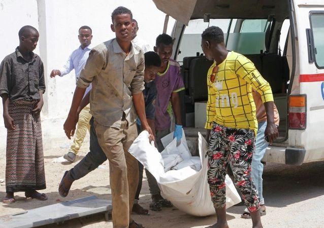 索馬里爆炸案造成90多人死亡