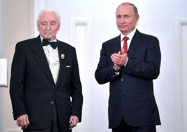 格里戈羅維奇和普京