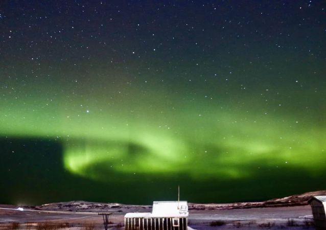 不出家門就可以實時看到北極光