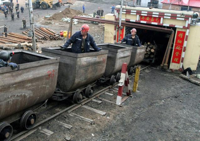 陝西銅川一煤礦發生疑似瓦斯突出 8人失聯