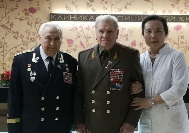 為抗戰老兵的健康獻愛心