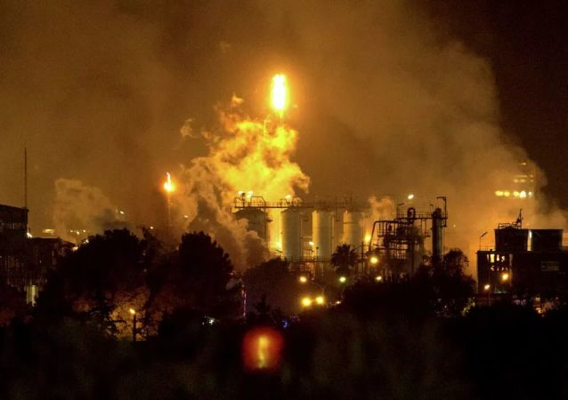 西班牙塔拉戈納省石化廠著火爆炸