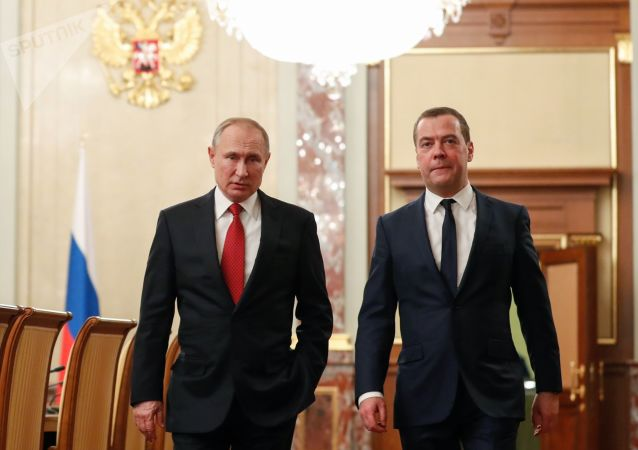 梅德韋傑夫與普京