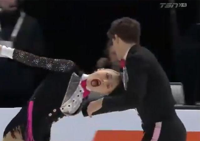 加拿大花滑女運動員在比賽中差點失去頭髮