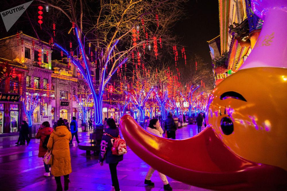 前門大街北京烤鴨店的新年紅燈籠