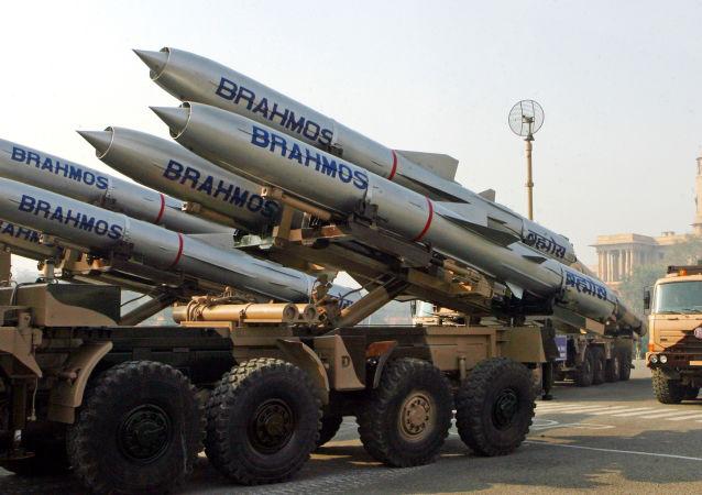 布拉莫斯航空航天企業正研究為「光輝」戰機研制導彈的可能性