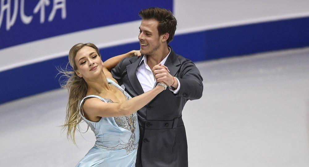 俄羅斯花滑選手維多利亞·西尼齊娜和尼基塔·卡察拉波夫