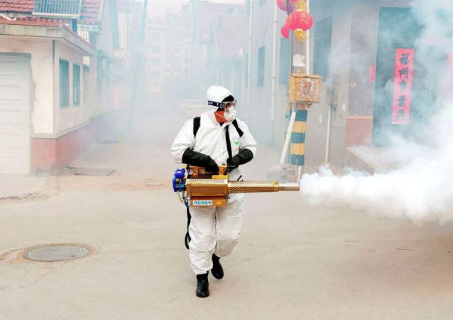 專家談冠狀病毒新病例數量減少:中國所採取的措施富有成效