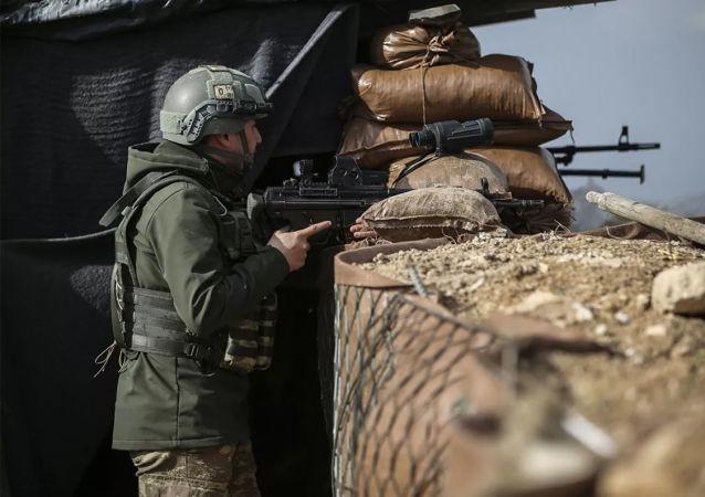 土耳其軍隊對敘利亞塞達定居點進行炮擊
