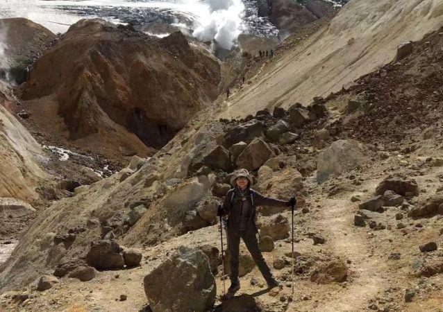 張丹丹在堪察加的火山上