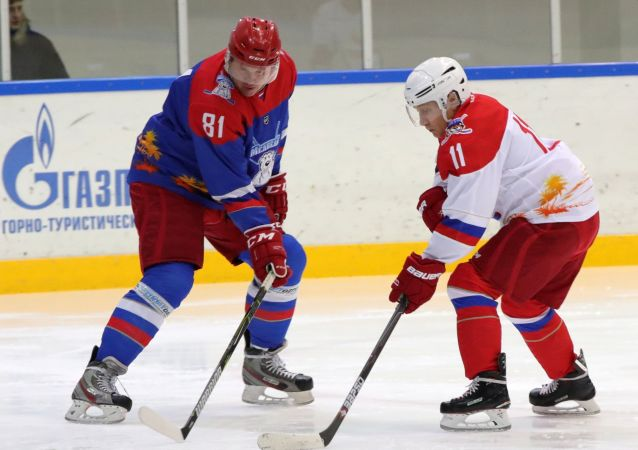 佩斯科夫談冰球運動員與普京打球