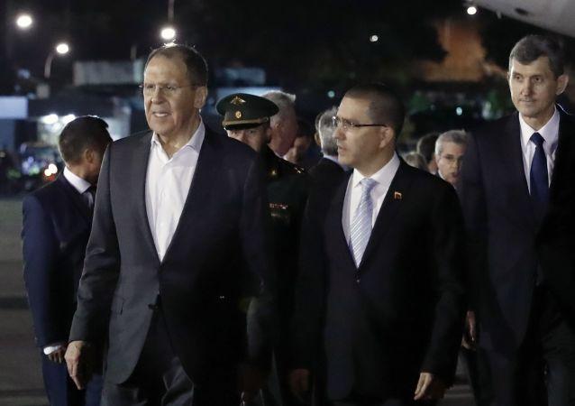 俄羅斯外長拉夫羅夫與委內瑞拉外長阿雷亞薩