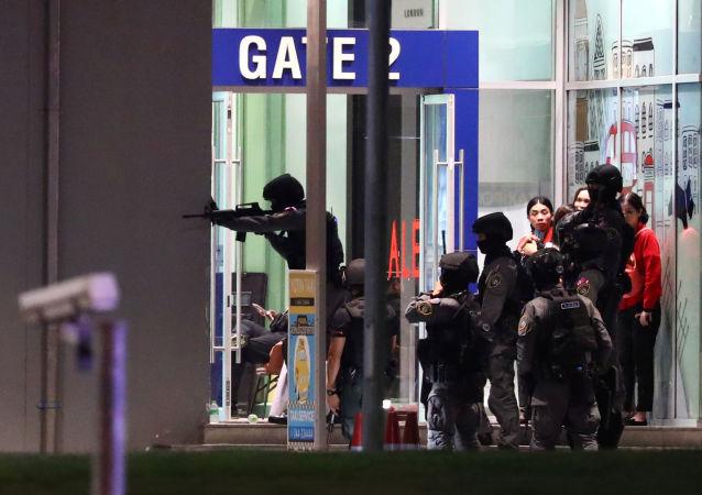 泰國總理:呵叻府槍擊案造成包括兇手在內27人死亡