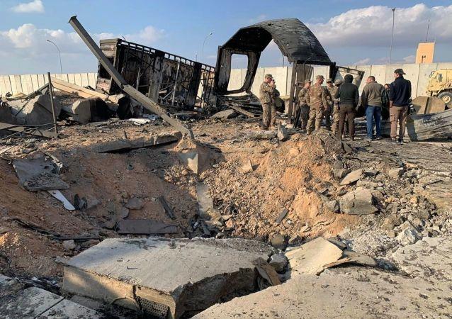在伊拉克塔吉基地的導彈襲擊中受傷