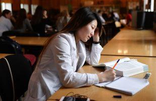 俄太平洋國立大學正在考慮為中國學生進行遠程學習問題