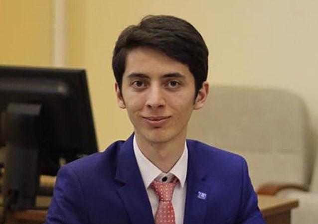 阿德蘭∙馬爾戈耶夫