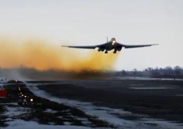 「白天鵝」:俄國防部公佈圖-160轟炸機視頻